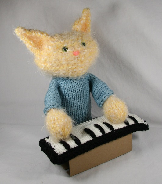 """OH HAI! """"Keyboard-cat"""" Knitted Hand Puppet"""